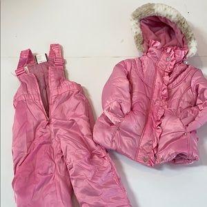 Girls snow suit ❄️